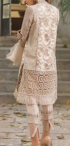 Asian Fashion, Boho Fashion, Womens Fashion, Fashion Pants, Fashion Dresses, Pakistani Dresses, Simple Dresses, Indian Wear, Blouse Designs
