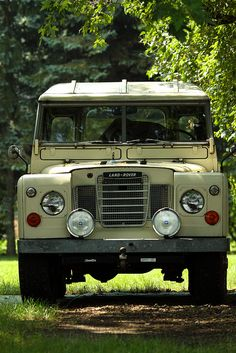 It is preferable to have an older mechanical vehicle as second car. For instance, in the event of an EMP, all computerized vehicles made after 1974 will not work. (Not my caption but I can become a survivalist if it means I get a vintage Land Rover) Land Rover Defender, Auto Jeep, Station Wagon, Vw Bus, Hors Route, Land Rover Series 3, Best 4x4, Offroader, Cars Land
