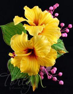 Gumpaste flowers - cake by Luminita Guzu Hibiscus Flowers, Exotic Flowers, Amazing Flowers, Yellow Flowers, Lilies Flowers, Hawaiian Flowers, Flowers Garden, Fondant Flowers, Clay Flowers