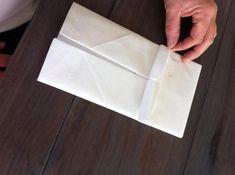 Den perfekte måten å brette serviettene på? I alle fall til konfirmasjonsbordet! - Kreative Idéer Deco Table, Plastic Cutting Board, Boards, Napkins, Egg