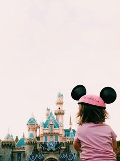 Guide to Disneyland with a toddler!