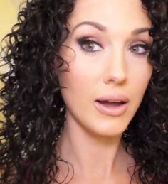 A Naturally Curly Hairstyle that You Don't Want to Miss (Tutorial) - Easy Girls Hairstyles