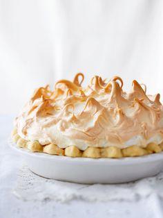 chocolate-meringue-pie-R121020 Best Meringue Recipe, Coconut Meringue Pie, Chocolate Meringue Pie, Chocolate Pies, Delicious Chocolate, Meringue Pie Topping Recipe, Best Custard Pie Recipe, Perfect Meringue, Custard Pies