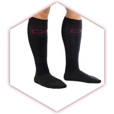 Save your shins in style with the new Team Technique Trainers. Avoid those unnecessary training bumps and bruises with this specialized lifting sock incorporating protective material woven directly into the fabric. Don't let your technique suffer for fear of letting the weights tear up your legs. Suit up in your Trainers and get to lifting.