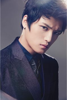 Jaejoong.... I mean look at this guy... he's all the way in the box @Samaria Crockett <--- u know what i mean~ lol