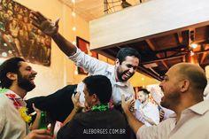 Casamento Andressa e Rodrigo no Ruella Bistrô em São Paulo. Jogando o fotógrafo pra cima!