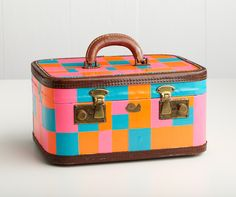 Tape a suitcase