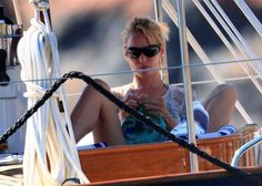 Uma Thurman; nautical knitter