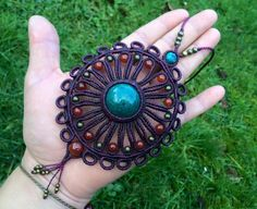 Collier artisanal en macramé et pierres fines naturelles