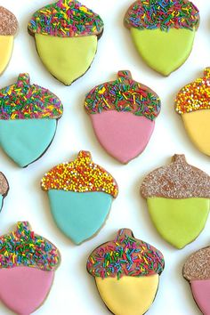 Sprinkle Topped Acorn Cookies (Oh Happy Day! Sugar Cookies With Sprinkles, Sugar Cookie Frosting, Sprinkle Cookies, Candy Cookies, Decorated Cookies, Acorn Cookies, Fall Cookies, Thanksgiving Cookies, Cookie Swap