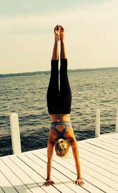 handstand-my next goal in yoga! Training Fitness, Yoga Fitness, Health Fitness, Fitness Motivation, Fitness Goals, Body Inspiration, Fitness Inspiration, Squat, Pilates Reformer