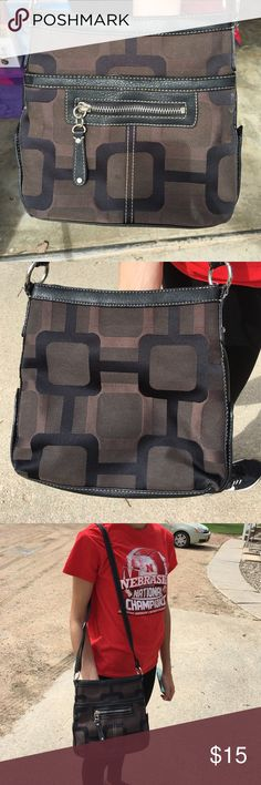 Nine West purse Super cute over-the-shoulder purse. In great condition! Shades of brown. All zippers work. $15 OBO. Nine West Bags Crossbody Bags