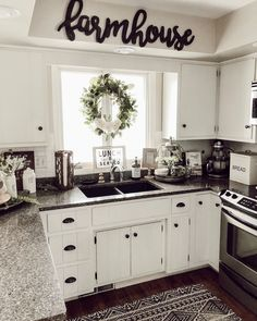 Rustic Farmhouse Kitchen Decoration Ideas - Farmhouse kitchen style will be perfect idea if you want to have family gathering in your kitchen during meal time. There are a lot of ideas in decora. Country Kitchen Farmhouse, Farmhouse Kitchen Cabinets, Kitchen Rug, Modern Farmhouse Kitchens, New Kitchen, Farmhouse Decor, Farmhouse Ideas, Kitchen Cupboard, Awesome Kitchen