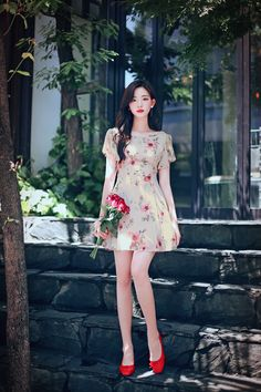 Super Ideas Fashion Outfits Going Out Dresses Street Styles Classy Street Style, Edgy Style, Korean Fashion Trends, Asian Fashion, Watercolor Dress, Going Out Dresses, How To Look Classy, Korean Outfits, Ulzzang Girl