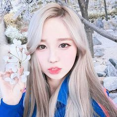 Image about girl in Korea💖 by Diana Galimova on We Heart It Blonde Asian, Asian Hair, Shy Girls, Cute Girls, Korean Beauty, Asian Beauty, Ulzzang Korean Girl, Uzzlang Girl, Pretty Asian