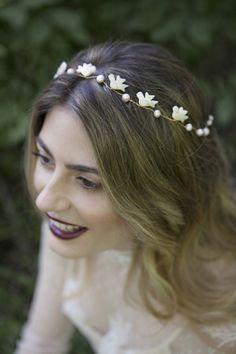 La sonrisa de una novia feliz… #Tocadodenovia: @nilataranco  #Fotografía: @SaraIglesiasFoto  #Peinado y #Maquillaje: @cheloescobarmup  #Modelo: @helena2p de @lucsomodels Comunicación: @rodolfomcartney  #vestidodenovia: @latuapelle  #tocadodenovia #noviasoriginales #hairstyle #peinadodeboda #novia #bride #bridalcouture #shooting #headpieces