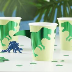 First Birthday Party Decorations. Decorate your dinosaur party with these fun green foiled paper cups, ideal for making your party table come to life. Birthday Cup, Dinosaur Birthday Party, First Birthday Parties, Birthday Bunting, Third Birthday, Birthday Ideas, Happy Birthday, Dinosaur Party Decorations, Dinosaur Party Supplies