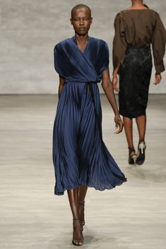 See all the Collection photos from Tome Spring/Summer 2015 Ready-To-Wear now on British Vogue New York Fashion, Runway Fashion, Womens Fashion, Fashion Spring, London Fashion, Fashion Shows 2015, Love Fashion, High Fashion, Haute Couture Paris