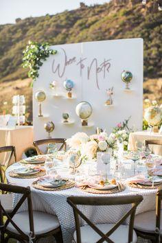 travel themed al fresco wedding | Photography: Birds of a Feather Photography