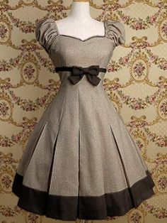Moda vintage outfits chic simple ideas for 2019 Pretty Outfits, Pretty Dresses, Beautiful Outfits, Cute Outfits, Vintage Dresses, Vintage Outfits, Vintage Fashion, Vintage Style, Vintage Clothing
