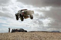 4x4 Volador, coming in for a landing.