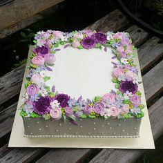 30 ideas for cake birthday flowers decoration polka dots Flores Buttercream, Buttercream Flower Cake, Wedding Sheet Cakes, Birthday Sheet Cakes, Cake Birthday, Square Birthday Cake, Cake Decorating Techniques, Cake Decorating Tips, Pretty Cakes