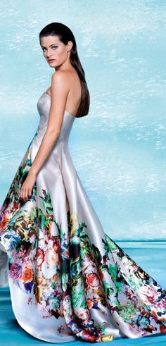 Isabeli Fontana Escada Spring Campaign ♥✤   Keep the Glamour   BeStayBeautiful - this dress is beautiful!