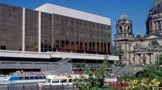 Palast der Republik im Frühling 1989; Quelle: dpa
