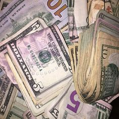 Money flows effortlessly with abundance to me Jackpot Winners, Money On My Mind, Take Surveys, Money Stacks, Mo Money, Motivation, Extra Money, Wealth, Saving Money