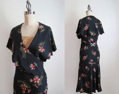 Rare 1930s wrap dress. #vitnage