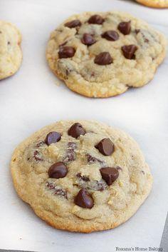 The best chocolate chip cookies recipe from Roxanashomebaking.com