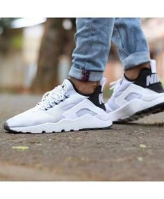 official photos c9111 f22e0 Nike Air Huarache Ultra Breathe White Black Trainer Shoes is definitely  your favorite style, very comfortable, looks very nice to see.
