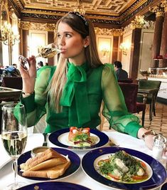Paris Outfits, Edgy Outfits, Classy Outfits, Cute Outfits, Tea Party Outfits, Red Bodysuit, Fashion Photography Inspiration, Bow Blouse, Mode Hijab