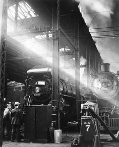 © Andreas Feininger, 1941, Dearborn Station, Chicago