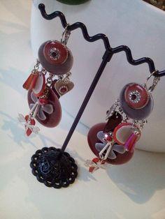 Les boucles d'oreilles, accessoire indispensable pour être belle et tendance Découvrez notre collection de boucles d'oreilles pendantes aux couleurs fleuries qui vous séduira... En savoir plus sur http://www.artifleurs-fleurs-artificielles.com/boutique/boucles-d-oreilles-pendantes/#A6mUOf1r1k8Ac9Fv.99
