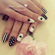 #mickeynails #mickeymouse #rose #romantic #nailart #nailartist #nailporn #glam #fashion #stylish #jewellery #whitenails #stripesnails #dotsnails #dots #blacknails #uñasdecoradas #uñas #lovely #mani #manicure #gelnails #frozengel #spnnails #paznokcie #flowernails #flowers #sweetnails @nailtopmaster