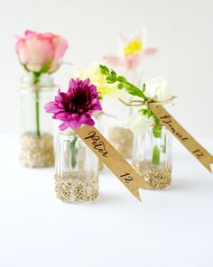 hanging garden escort cards DIY, from rachael of penelopeandpip for minted. love this! #flowers