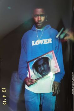 Frank Ocean holding picture of Trayvon Martin Frank Ocean Wallpaper, Celine, Tyrone Lebon, Boys Don't Cry, Looks Cool, My Guy, Pretty Boys, Photo Book, Music Artists