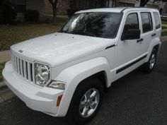 2012 Jeep Liberty Wow I love the new look I want this one in the near future:)