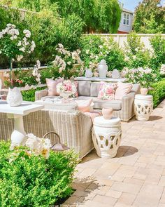 Raindrops and Roses Outdoor Rooms, Outdoor Furniture Sets, Outdoor Decor, Outdoor Seating, Raindrops And Roses, Interior Photography, Photography Editing, Photography Tutorials, Creative Photography