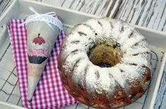 Tízperces bögrés kuglóf | Rupáner-konyha Bread Recipes, Cooking Recipes, Ring Cake, Scones, Doughnut, Sweet Recipes, Street Food, Muffin, Food And Drink