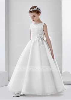 8c4de81854 Sleeveless Jewel Neck Ball Gown Organza First Communion Dress with Lace and  Beading Vestidos Para Primera