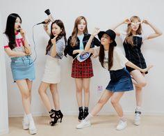 For Kim Yerim and Red Velvet*You guys are the stars that fill my night sky* Seulgi, Wendy Red Velvet, Red Velvet Irene, Exo Red Velvet, Mode Ulzzang, Ulzzang Girl, Kpop Girl Groups, Kpop Girls, Korean Best Friends