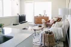 i just love this couple's simple, stylish apartment in Austin + the wife's minimalistic fashion blog!