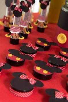 Festa da Minnie: aprenda a fazer uma decoração incrível! - Fiesta Mickey Mouse, Mickey Party, Mickey Mouse Clubhouse, Mickey Minnie Mouse, Mickey Mouse Birthday, Minnie Mouse Party, Mouse Parties, Mickey Mouse Decorations, Partys