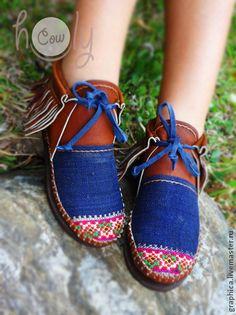 """zapatos de cuero hechos a mano """"incas"""".  Hecho a mano."""