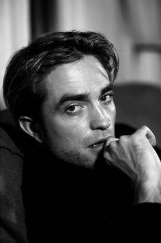 """Full and black and white version 😍😍😍😍"" Robert Pattinson, Pretty Men, Beautiful Men, Robert Douglas, Cultura Pop, Man Photo, Baby Daddy, White Man, Celebrity Crush"