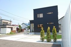 ガルバ 外構 - Google 検索 Facade, Exterior, Mansions, House Styles, Google, Outdoor Decor, Room, Japan, Home Decor