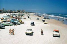 Daytona Beach in the 1950s . pic.twitter.com/7Nz474aU3s