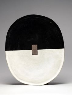 Black and white Pottery art Ceramic artist - Jun Kaneko